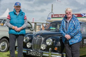 VINTAGE CAR EXHIBITORS ARNOLD & HILDA THOMSON, ROTHES WITH THE 1961 MK2 JAG